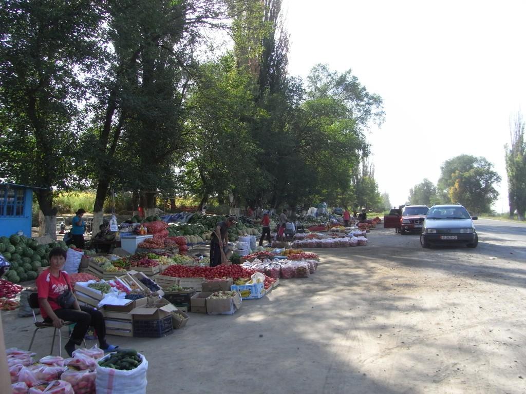 przydrożny bazar